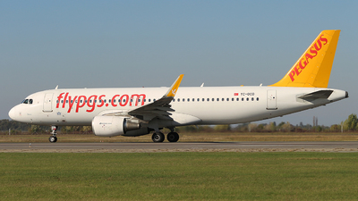 A picture of TCDCD - Airbus A320214 - Pegasus Airlines - © Calin Horia Lupu