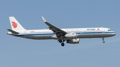 B-8502 - Airbus A321-232 - Air China