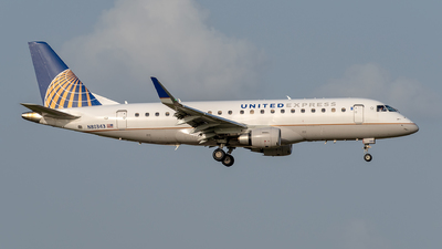 A picture of N80343 - Embraer E175LR - United Airlines - © Dylan Phelps - ZFWAviation