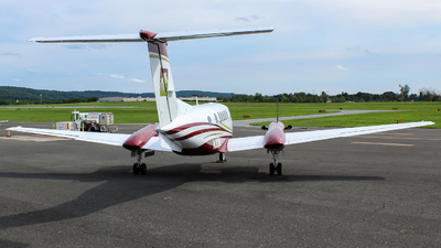 N30ML - Beechcraft 300 Super King Air - Private