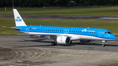 PH-NXC - Embraer 190-400STD - KLM Cityhopper