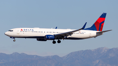 A picture of N825DN - Boeing 737932(ER) - Delta Air Lines - © James Rowson
