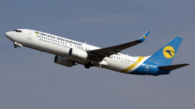 A picture of URPSF - Boeing 73784R - Ukraine Int. Airlines - © Davide Daverio