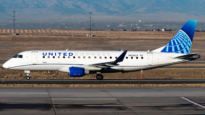 A picture of N608UX - Embraer E175LL - United Airlines - © Michael Place