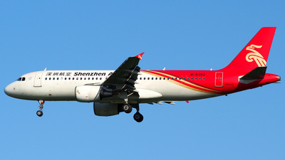 B-6352 - Airbus A320-214 - Shenzhen Airlines