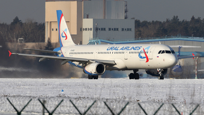 A picture of VQBGX - Airbus A321231 - Ural Airlines - © ShipSash