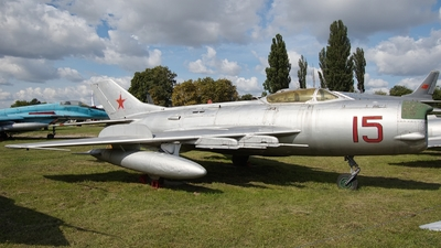 15 - Mikoyan-Gurevich MiG-19 Farmer - Soviet Union - Air Force