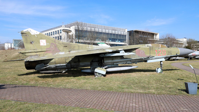 120 - Mikoyan-Gurevich MiG-23MF Flogger B - Poland - Air Force