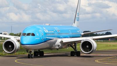 A picture of PHBHC - Boeing 7879 Dreamliner - KLM - © C. v. Grinsven
