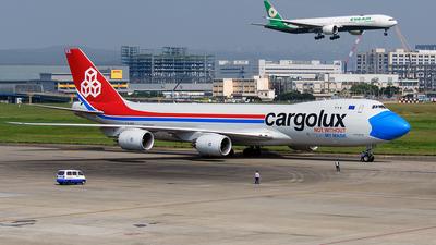 A picture of LXVCF - Boeing 7478R7(F) - Cargolux - © ECHO
