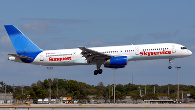 C-FFLA - Boeing 757-28A - Skyservice Airlines