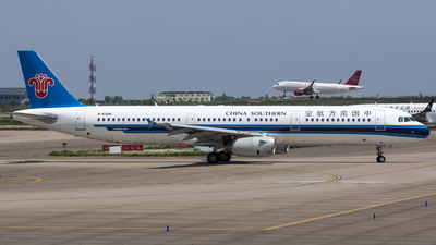 A picture of B6308 - Airbus A321231 - China Southern Airlines - © BobH