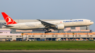 TC-JJG - Boeing 777-3F2ER - Turkish Airlines