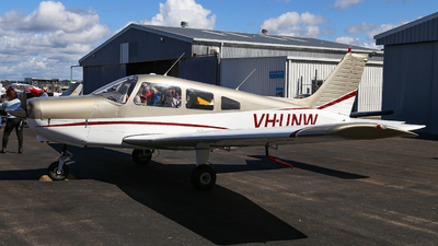 VH-UNW - Piper PA-28-161 Cherokee Warrior II - Private