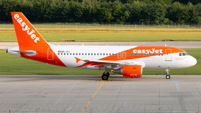 A picture of HBJYJ - Airbus A319111 - easyJet - © Alexandre Faroux