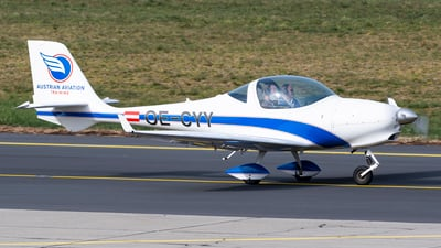 OE-CYY - Aquila A210 - AAT Austrian Aviation Training
