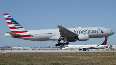 A picture of N783AN - Boeing 777223(ER) - American Airlines - © Juan Camilo Rojas