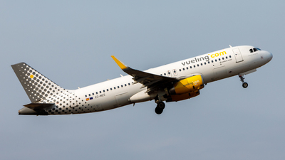 EC-MES - Airbus A320-232 - Vueling Airlines