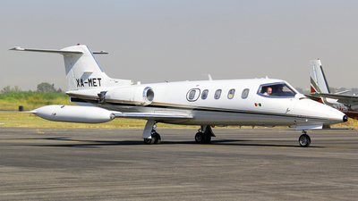 XA-MET - Gates Learjet 25D - Air Taxi