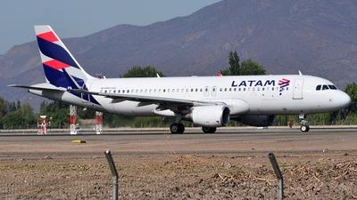 PR-TYU - Airbus A320-214 - LATAM Airlines