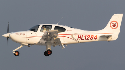 HL1284 - Cirrus SR20 - Korea National University of Transportation