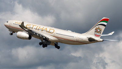 A6-EYS - Airbus A330-243 - Etihad Airways