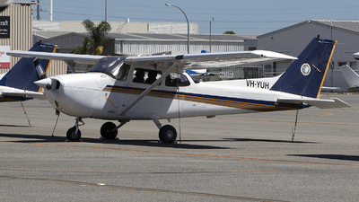 A picture of VHYUH - Cessna 172R Skyhawk - [17281148] - © Brenden