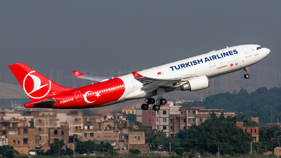 A picture of TCJNB - Airbus A330203 - Turkish Airlines - © ChaleLu