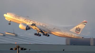 A6-LRB - Boeing 777-237LR - Etihad Airways