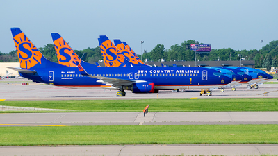 A picture of N816SY - Boeing 7378Q8 - Sun Country Airlines - © Steve Rinde