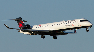 C-GDJZ - Bombardier CRJ-705LR - Air Canada Express (Jazz Aviation)