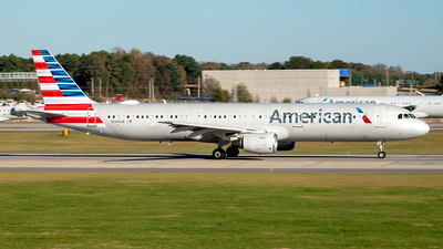 A picture of N194UW - Airbus A321211 - American Airlines - © Yan777