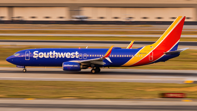 N8322X - Boeing 737-8H4 - Southwest Airlines
