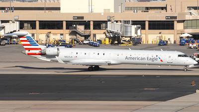 A picture of N927LR - Mitsubishi CRJ900ER - American Airlines - © Jason Whitebird
