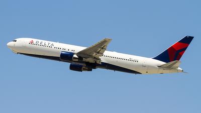A picture of N121DE - Boeing 767332 - [23435] - © C. v. Grinsven