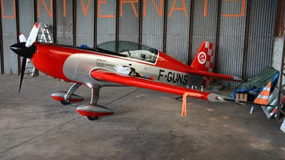 F-GUNS - Extra 200 - Cannes Aviation