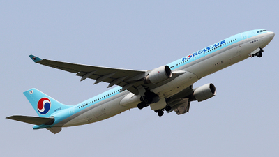HL7702 - Airbus A330-323 - Korean Air