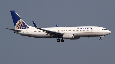 N14235 - Boeing 737-824 - United Airlines