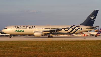 EI-DBP - Boeing 767-35H(ER) - Alitalia