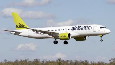 A picture of YLAAR - Airbus A220300 - Air Baltic - © Krizsik Máté
