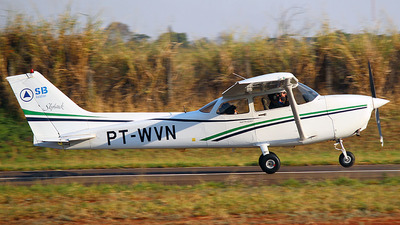 PT-WVN - Cessna 172R Skyhawk - Sierra Bravo Aviation Escola de Aviação