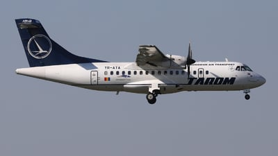 YR-ATA - ATR 42-500 - Tarom - Romanian Air Transport