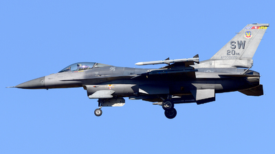 00-0220 - Lockheed Martin F-16CJ Fighting Falcon - United States - US Air Force (USAF)
