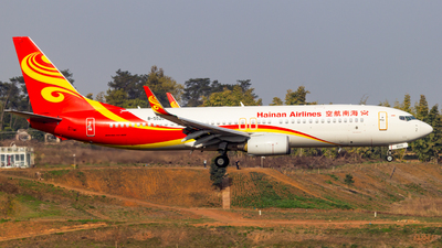 A picture of B5520 - Boeing 73784P - Hainan Airlines - © SINO6702
