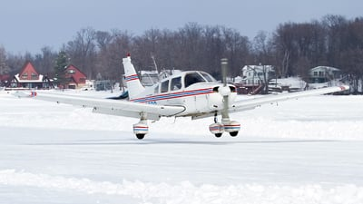 N32306 - Piper PA-28-151 Cherokee Warrior - Private