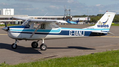 A picture of GIANJ - Cessna F150K - [0548] - © Phil Woods