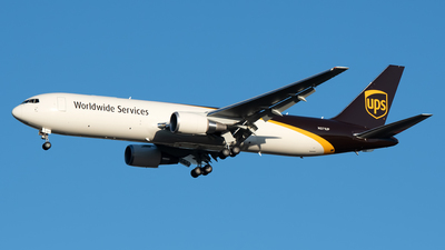 A picture of N371UP - Boeing 767300F(ER) - UPS Airlines - © Cary Liao