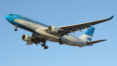 A picture of LVFNK - Airbus A330223 - Aerolineas Argentinas - © Toño Ayala