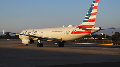 A picture of N573UW - Airbus A321231 - American Airlines - © Alejandro Aceves