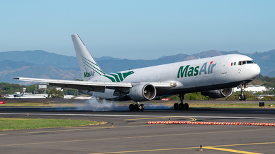 A picture of N363CM - Boeing 767338(ER)(BDSF) - MasAir Cargo Airline - © Cristian Quijano